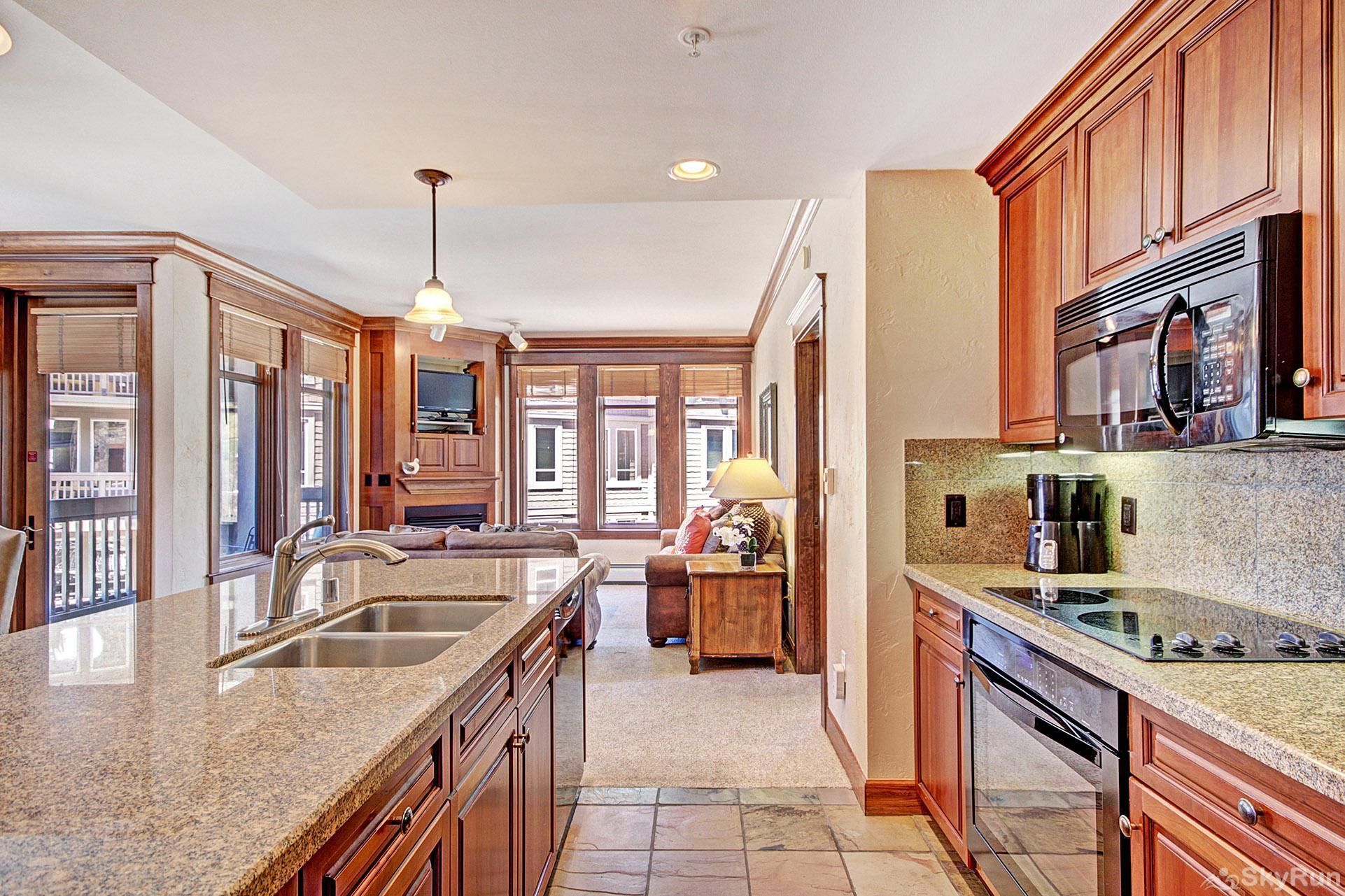 MC308 Mill Club Beautiful Fully Equipped Kitchen