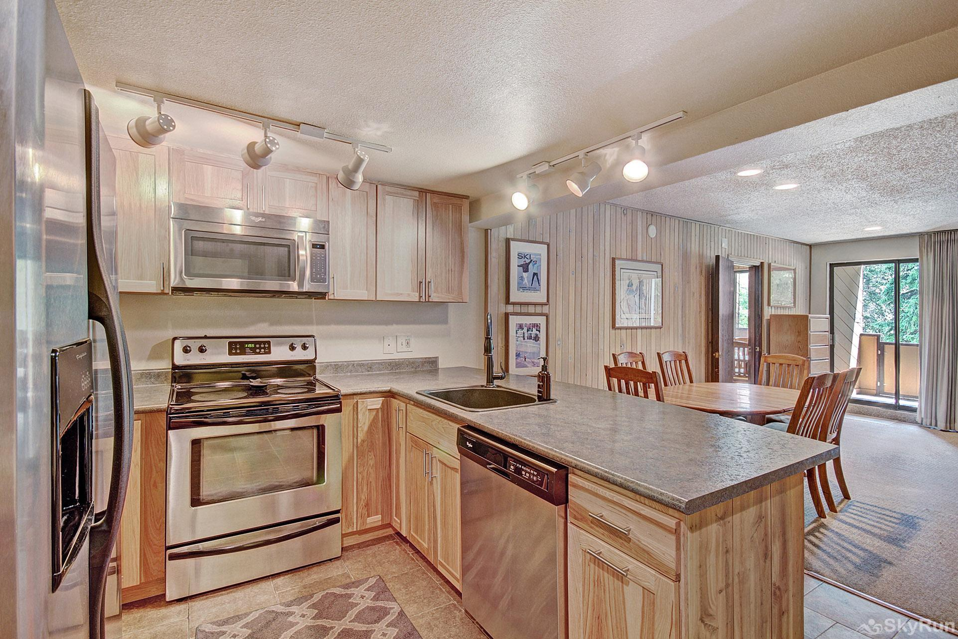 CM116S Copper Mtn Inn Beautiful Fully Equipped Kitchen