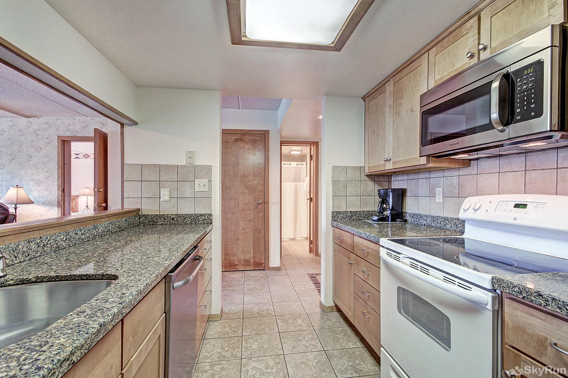 VS438 and 436H Village Square Beautiful Fully Equipped Kitchen