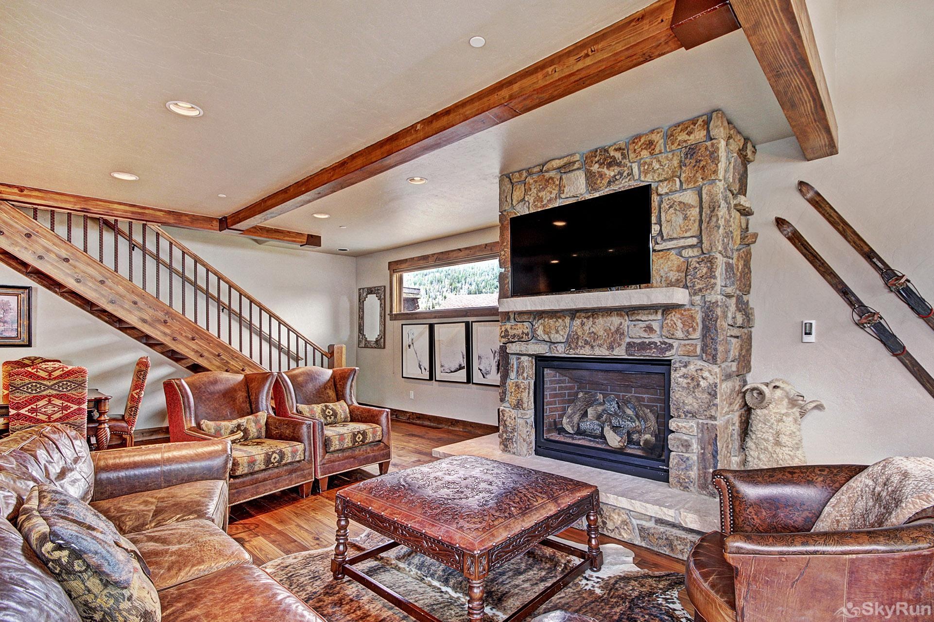 LR962 The Timberline at Lewis Ranch Relax in the Lovely Living Room