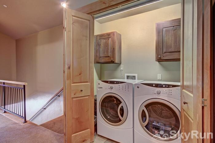39C Union Creek Townhomes West Private Washer and Dryer